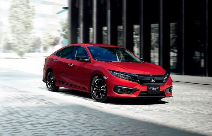 Honda_Civic-4d_после_рестайлинга